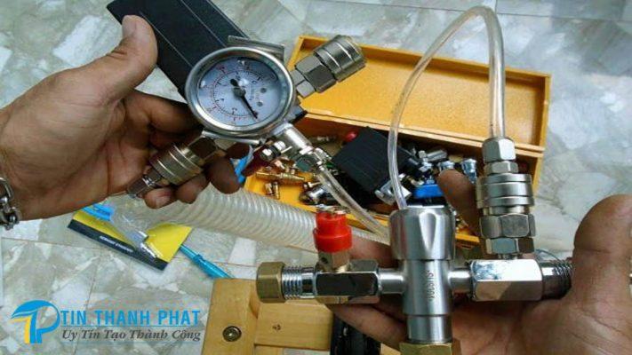 Điều chỉnh áp suất và năng suất máy nén khí
