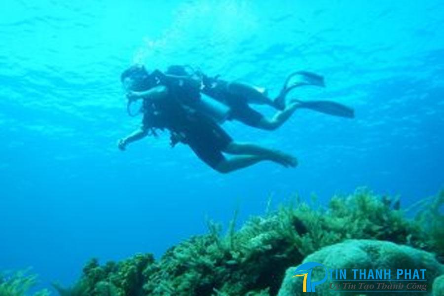 máy nén khí thợ lặn biển